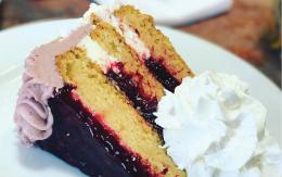 Linn's Fresh Baked Cake & Cheesecake Flavors