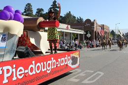 Linn´s 2012 Piedoughrado Float