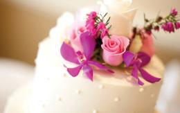 Linn's Wedding Cake Flavors